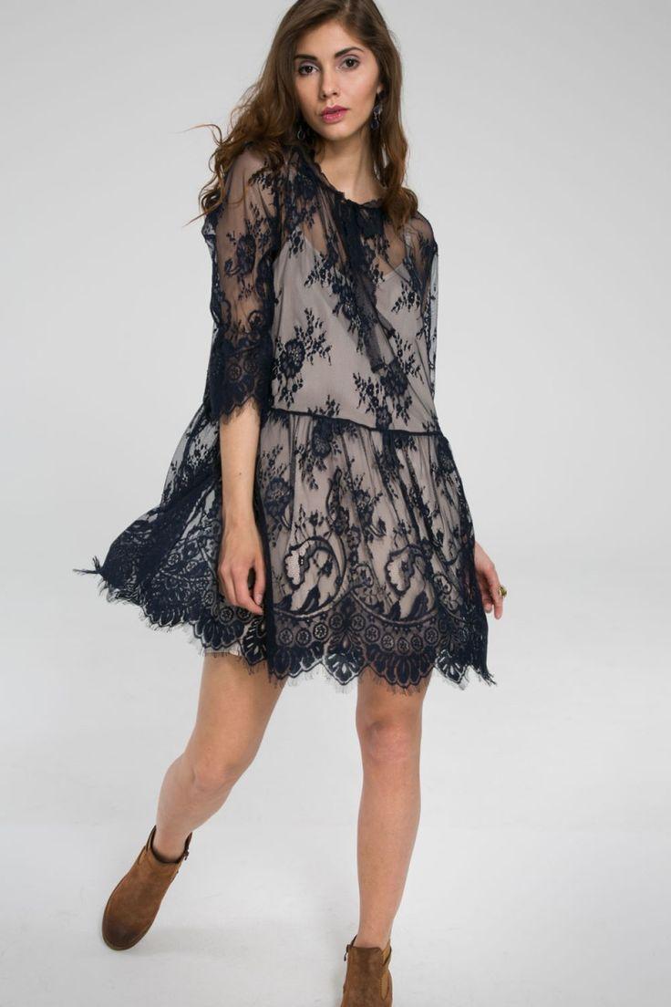 Luźna sukienka koronkowa - granatowy
