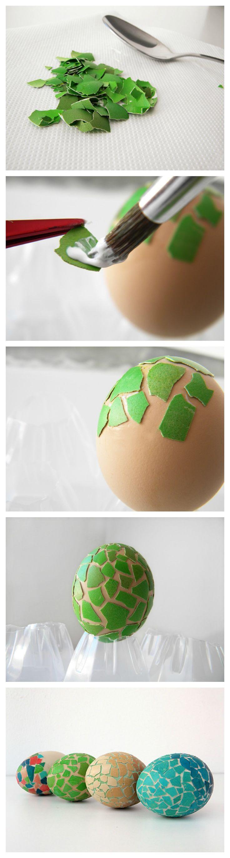 #Ostereier dekorieren mit gefärbter #Eierschale eines gefutterten Eis #diy