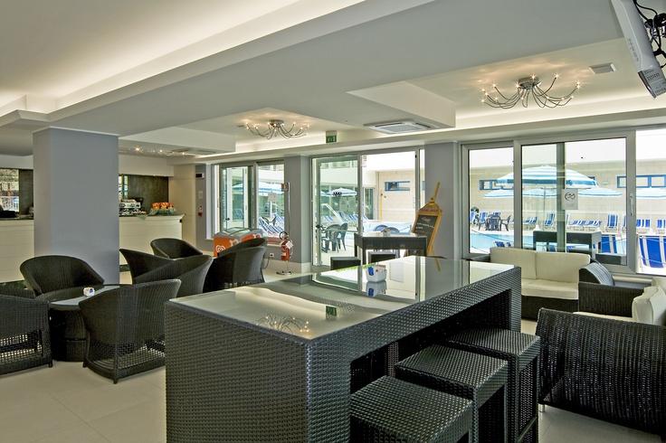 Lounge Bar - www.hotelmiamijesolo.it