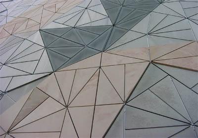 Een tegel ontwerp om het plein er speciaal uit te laten zien (Wessel)