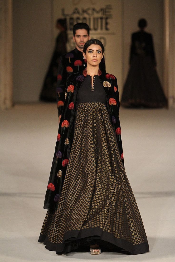 Love this floor length black anarkali gown by Rohit Bal #LFW #LIFW2016…