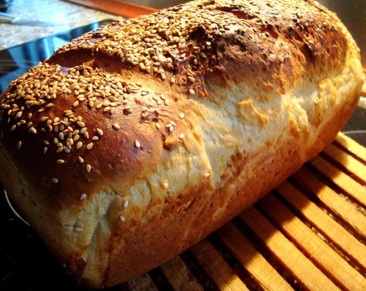 Var det noget med et lækkert franskbrød med havregryn. Havregrynene koges til havregrød og giver brødet god krumme, der ikke blive tør de følgende dage.