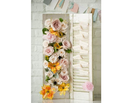 Nude florals and escort cards