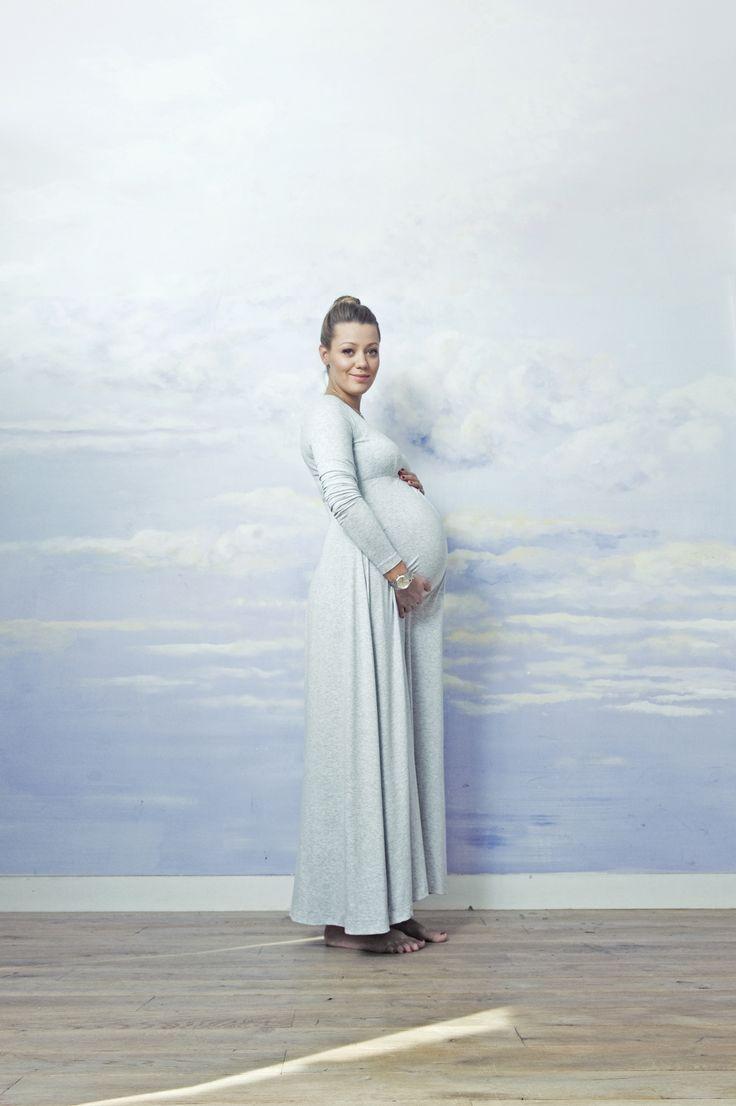 super comfy pregnancy dress. Cotton, long sleeve maxi dress. Made by RISK #futuremom #momtobe  SAMPLE SALE http://milieubazaar.com