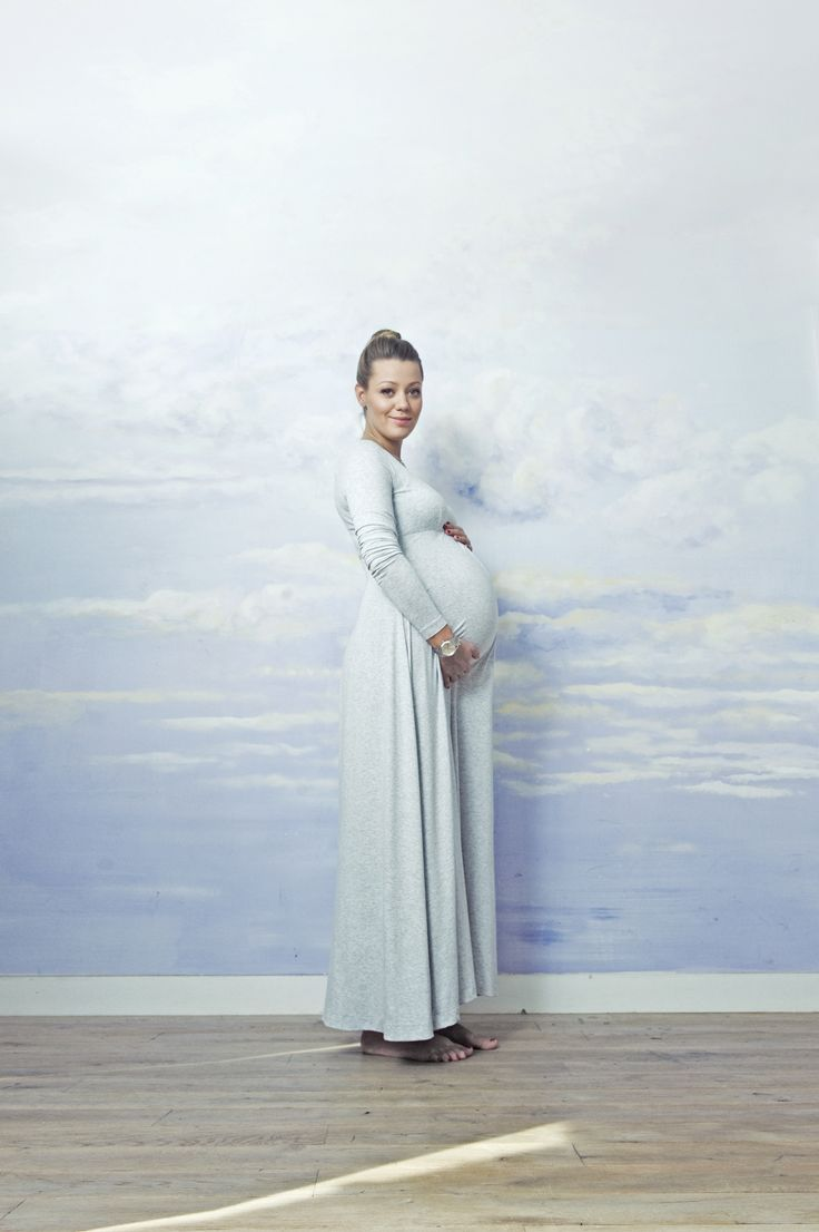 super comfy pregnancy dress. Cotton, long sleeve maxi dress. Made by RISK #futuremom #momtobe  SAMPLE SALE http://milieubazaar.com