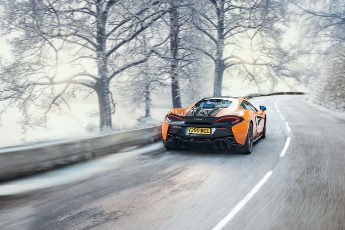 Now You Can Get Factory-Fit Snow Tires On Your McLaren 570   Planning on driving your six-figure supercar through a snowstorm? McLaren is here to make sure you have the traction to make it to the other side.   Manufacturers work with tire companies all the time to develop high-performance rubber for their sports cars. But it's not often you see companies working with tire makers to create a winter tire for a six-figure mid-engine supercar. Well that's exactly what McLaren did with the new…