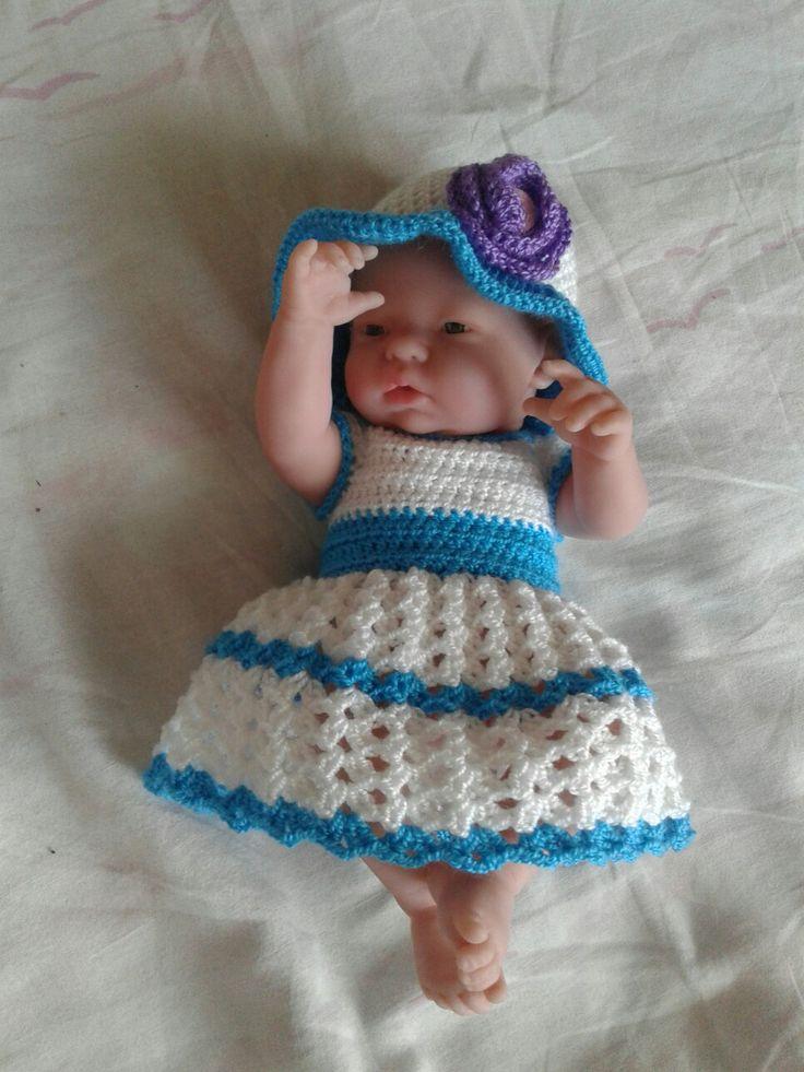 Modré šaty a klobúčik