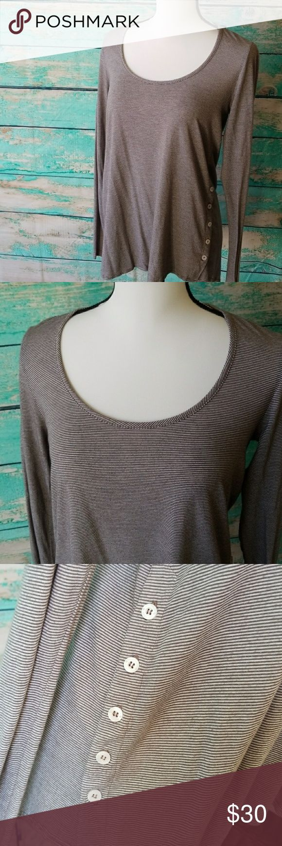 Saint Grace Button Side Sweater 🔸️Like New Condition   🔸️Side button details. Can be unbuttoned for a different look  🔸️Long hemline in the back; covers your butt. Saint Grace Tops Tees - Long Sleeve