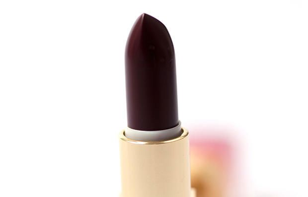 10 Beauty Products You Should Never Use After 40  http://www.prevention.com/beauty/makeup-mistakes-after-age-40?cid=soc_Prevention%2520Magazine%2520-%2520preventionmagazine_FBPAGE_Prevention__