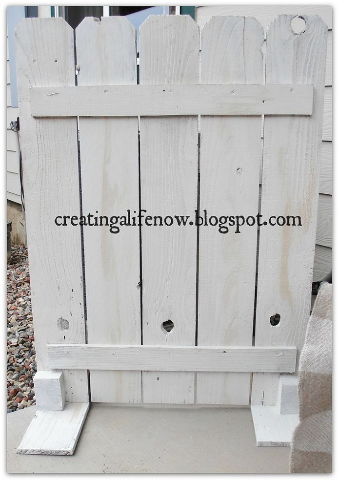 Hometalk :: Need to hide an unsightly air conditioner unit? I used 6 curbside fenc…