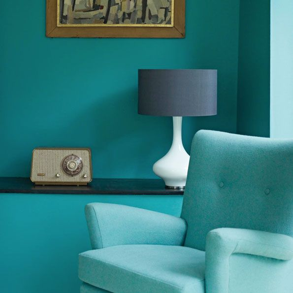 Swimming in aquamarine.: Blue Rooms, Wall Colors, Fire Earth, Living Rooms, Chairs, Blue Green, Turquoi, Aquamarine, Paintings Colour
