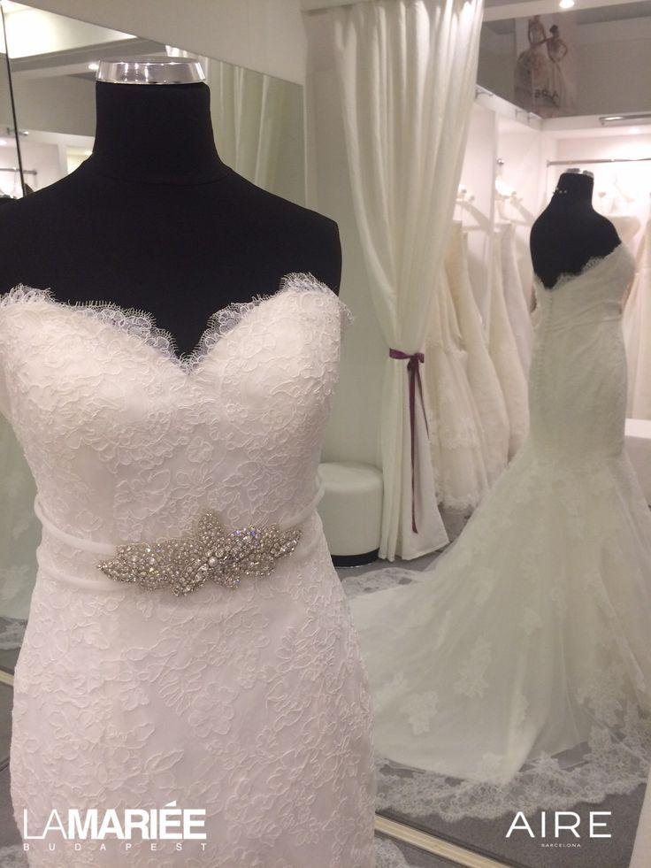 Amelie esküvői ruha törtfehér színben  http://lamariee.hu/eskuvoi-ruha/aire-2015/amelie