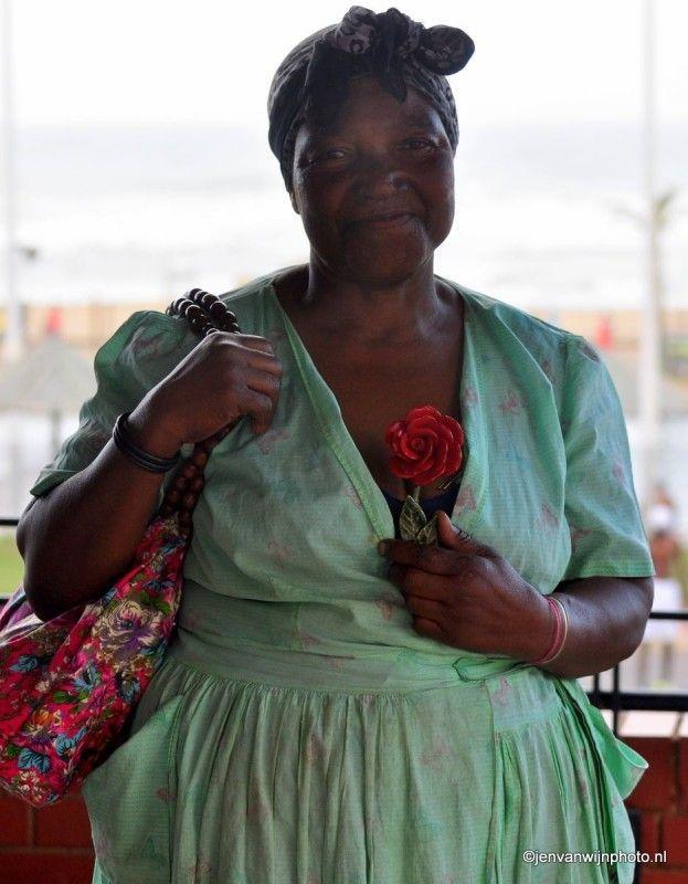 Kraamverkoopster in Durban by Jen van Wijngaarden