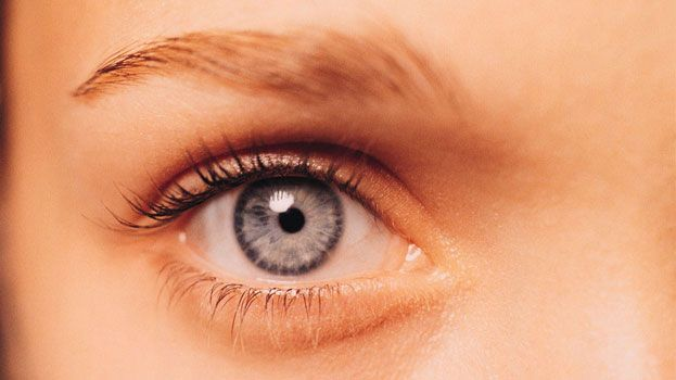 DIY: Natural Eye Drops for Dry / Tired / Red Eyes to Brighten Them   DIY Beauty Tutorials