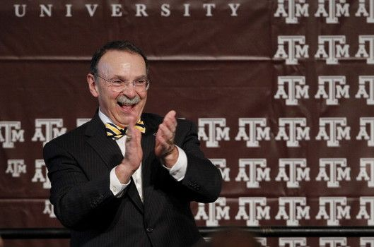 """Texas A&M women's basketball to salute outgoing TAMU President R. Bowen Loftin Texas A&M women's Head Coach Gary Blair said that, """"Because of his outstanding faithfulness and commitment in service to the students of Texas A&M, tonight's game would honor Dr. Loftin."""" Blair added, """"We wanted to do something special to show our appreciation for this extremely popular university president."""" #examinercom"""
