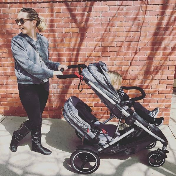 step out in style with the phil&teds voyager stroller like Beverley Mitchell does! the perfect stroller for one baby, twins, and siblings, voyager is modular with seats that turn into lie-flat bassinets for on & off the stroller, parent face and forward face! it's the perfect way to adapt&survive your parenting day!