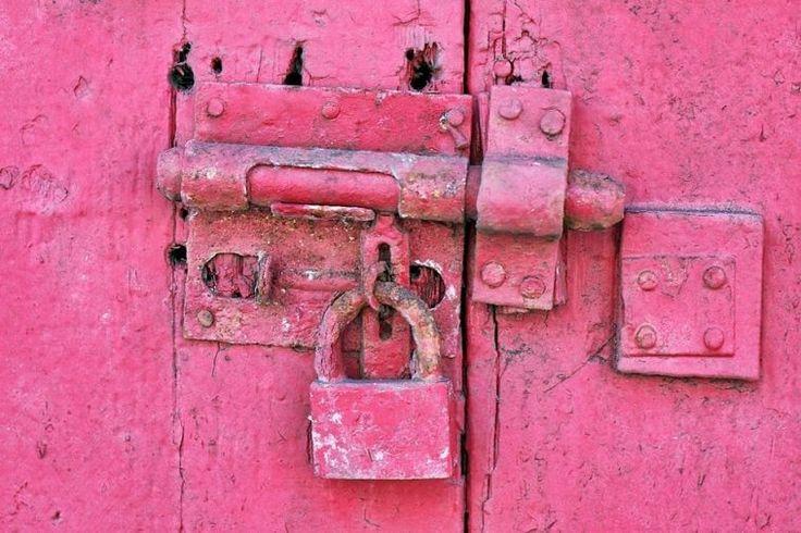 Des prisons repeintes en rose pour calmer les prisonniers