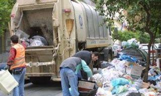 En Arxikos Politis: Με τους σκουπιδιάρηδες ή με τα σκουπίδια