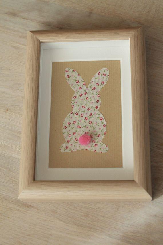 cadre 3D petit lapin en tissu liberty et petit pompon rose