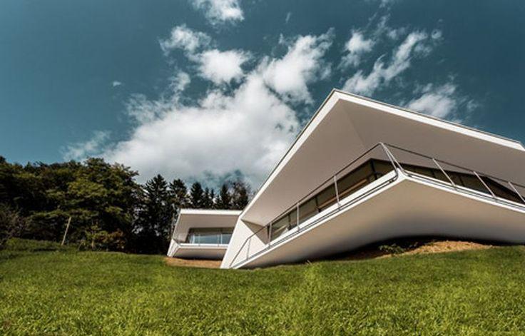 Ensemble de deux maisons semi-enterrées dans un paysage idyllique en Autriche, porte à faux - Villas-2B par Love Architecture - Graz, Autriche #construiretendance