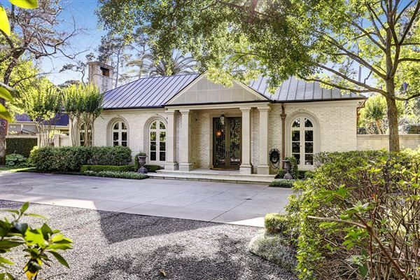 Best 25 Single story homes ideas on Pinterest  Unique house plans Craftsman style home plans