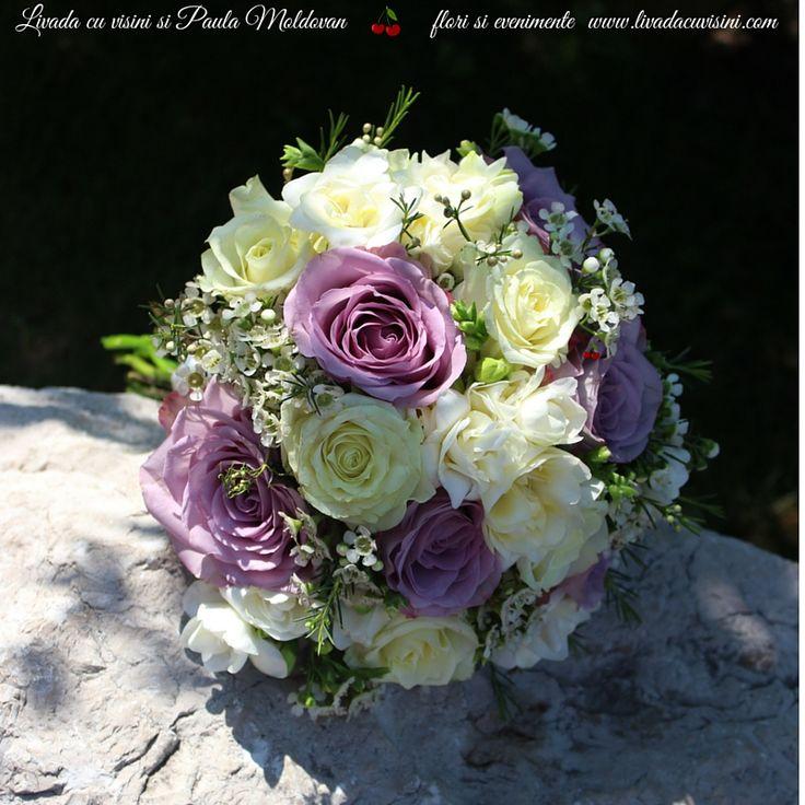 #colors #scent #bride #bouquet #wedding #flowers #madewithjoy #paulamoldovan #livadacuvisini #buchet #nunta #mireasa #nasa #cununie #trandafiri #roses #frezii #fresia #scent #scentofawoman #scentofamoment #scentoftheday