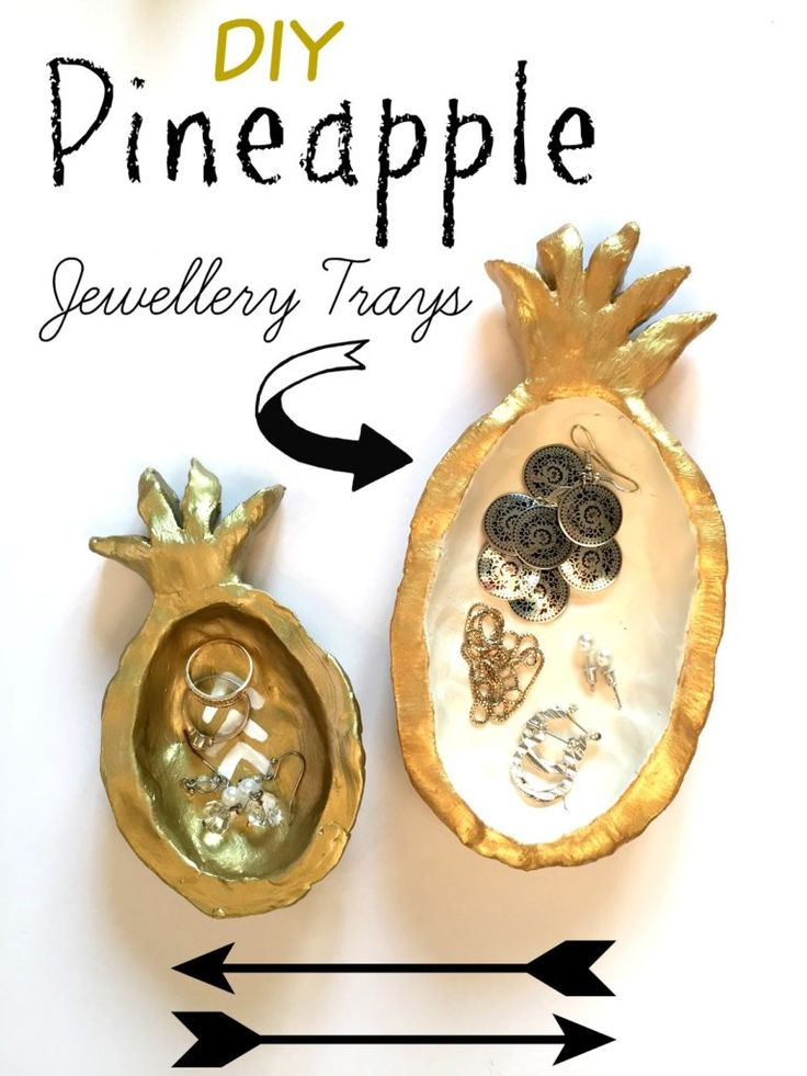 Pineapple jewelry trays for your beside table. These fun DIY jewelry trays were made using quick dry clay at apurdylittlehouse.com
