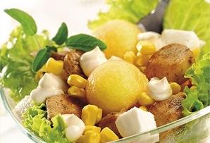 Sałatka z melonem i mozzarellą/ Salad of melon and mozzarella  www.winiary.pl