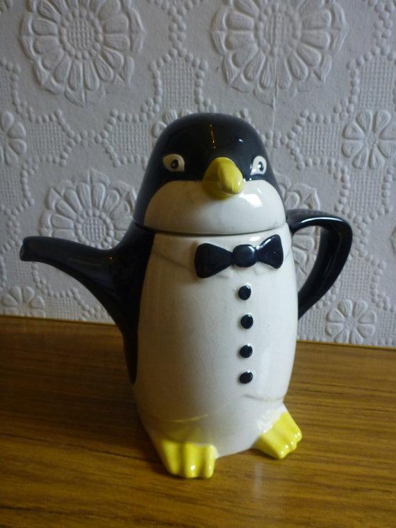 Price and Kensington 1920's Penguin Teapot