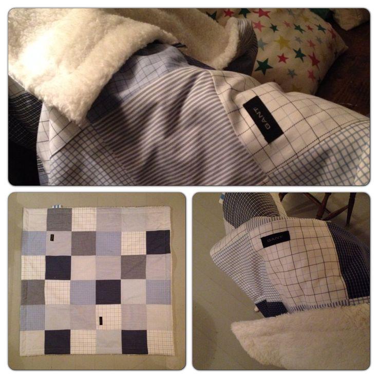Gjenbruk av herreskjorter med pusete bakstykke. Mykt og deilig babyteppe