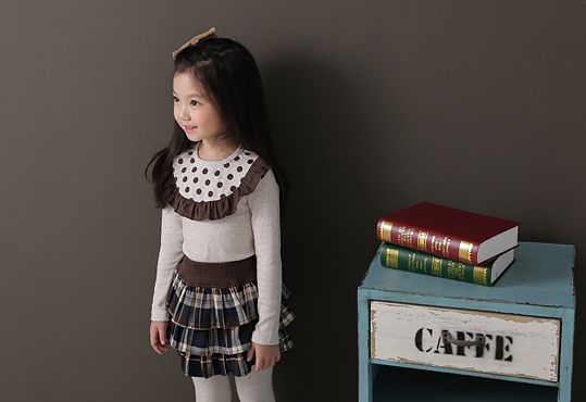 Korea children's No.1 Shopping Mall. EASY & LOVELY STYLE [COOKIE HOUSE] Neck color combination Freel T-shirt / Size : 7-17 / Price : 18.83 USD #cute #koreakids #kids #kidsfashion #adorable #COOKIEHOUSE #OOTD #t-shirt #lovely