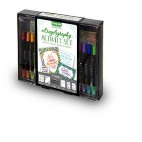 Design an amazing calligraphy-style photo frame, gift tags, place cards and more with the Crayoligraphy Activity Set. This all-in-one lettering activity kit includes 20 sheets of paper with tutorials, 10 Dual-Ended Markers, 2 Dual-Ended Brush Tip Markers, 2 Detailing Gel Pens, 4 Card Stock Sheets, and 1 Paperboard Photo Frame.