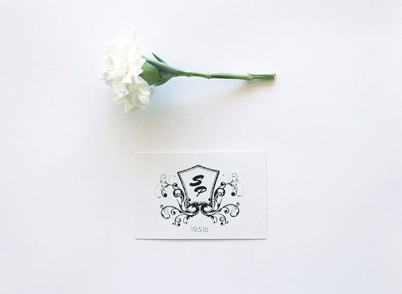 Floral Wedding logo  Monogram black and white by MessProject, €12.00  #weddinginvitation #weddingprint #wedding #invitation #diy #piy #monogram #savethedate
