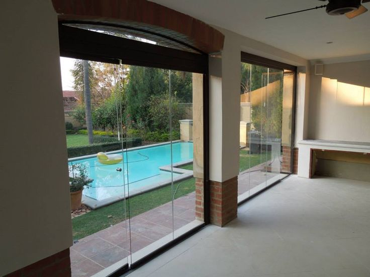 Be able to see the kids swimming outside with our wonderful @sunflexsa framless glass sliding doors.