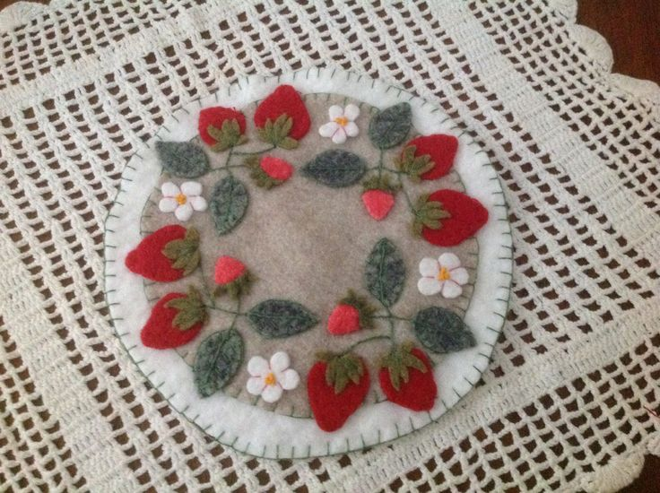1000 Images About Penny Rugs Candle Mats On Pinterest