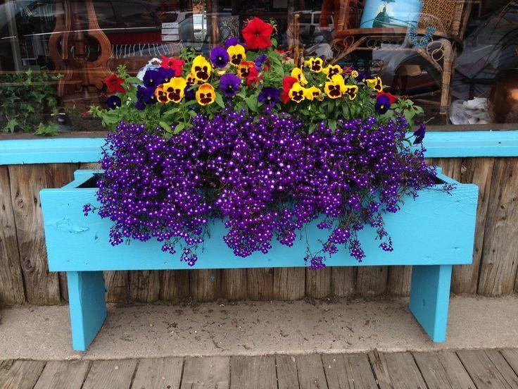 flower boxes for fences | Via Denise Perry Feldman
