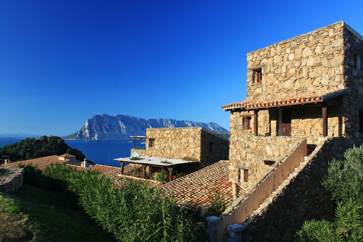 Vista su Tavolara da villaggio Punta Est, San Teodoro. Sardegna - Sardinia by Bruno Pala on 500px