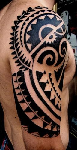 36 best face paint men 39 s tribal ideas images on pinterest for Polynesian tattoo near me