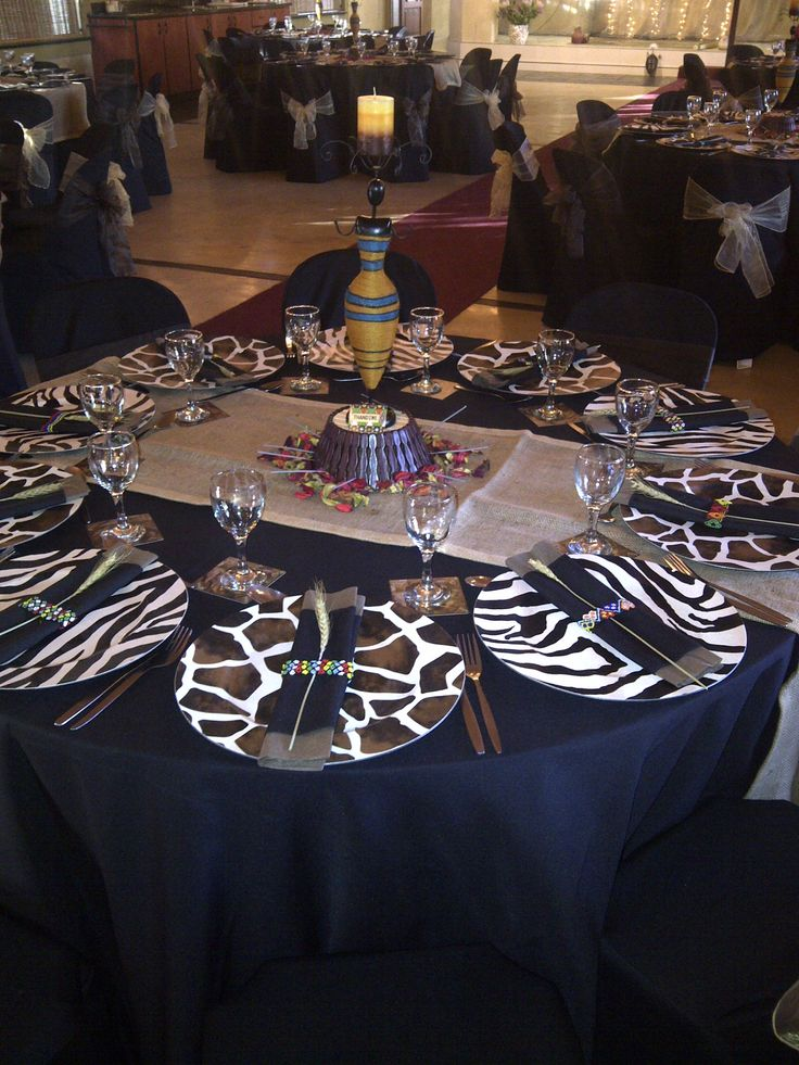 My African Sky table setting