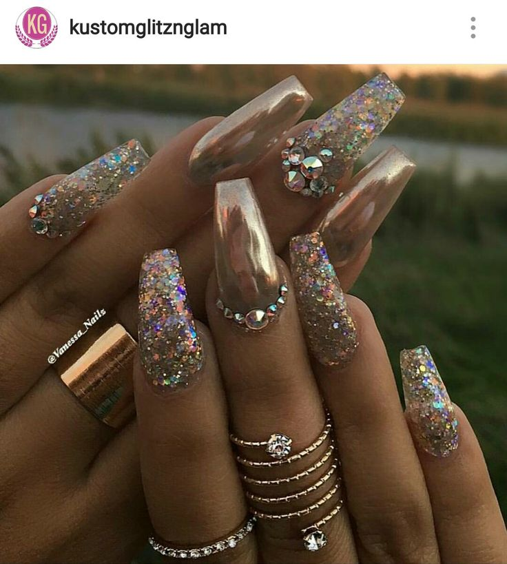 Gold crome nails glitter and rhinestones