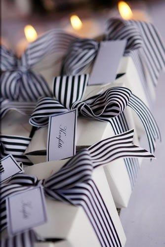 striped wrap