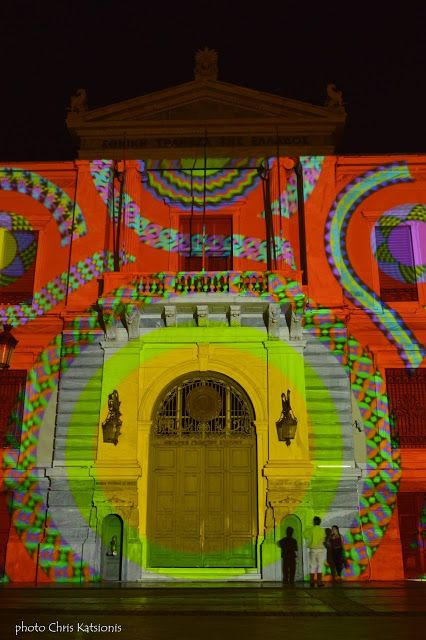 Travel in Clicks: Adding colour to the city