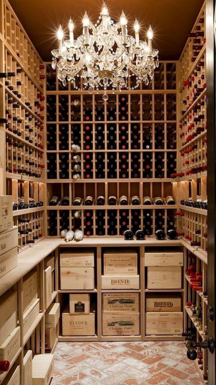 cave à vin, belle pièce avec casiers de vin