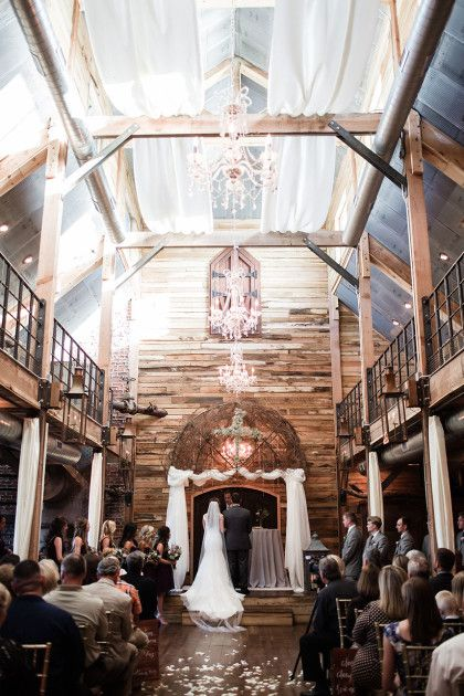 Check out this Rustic Wedding at the Southwind Hills Barn on the Brides of the Oklahoma Blog! Cakes: Andrea Howard Cakes | Catering, venue: Southwind Hills Barn | Hair: Blo. | Makeup: Chelsey Ann Artistry | Photography: Sarah Libby Photography #bridesofok #oklahoma #wedding