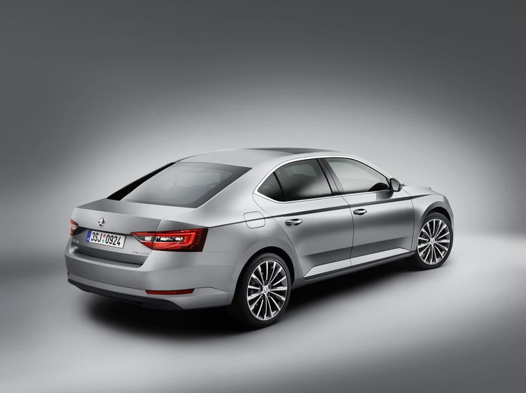 The new Superb's two-part tail lights gleam with LED technology as standard for the first time #newskodasuperb #superb #skoda