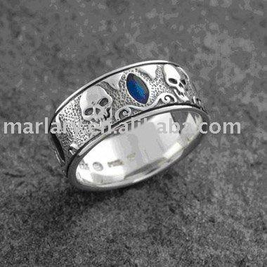 Best 25 Skull wedding ring ideas on Pinterest  Diamond