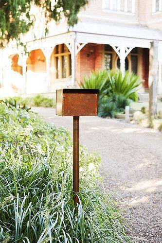Steve Hart letterbox  www.robertplumb.com.au