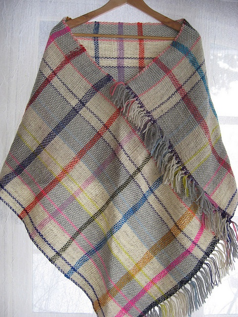 IMG_8855 by myfinn, via Flickr. One long, wide rectangle. An idea for tri loom too?