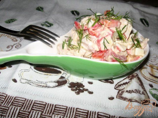 """Салат с крабовым мясом и куриной грудкой """"Коралл"""" - пошаговый рецепт с фото"""