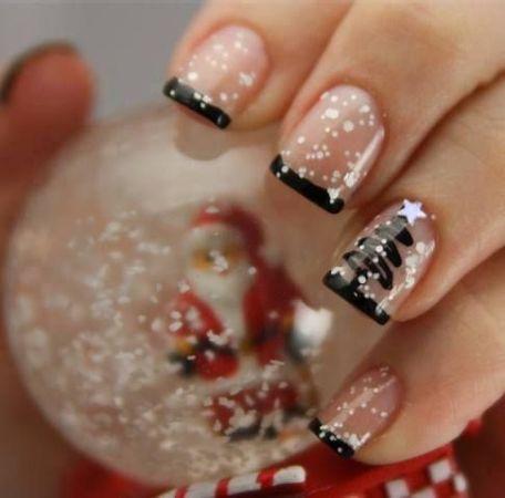 8. karácsonyi manikűr<br />Fekete-fehér karácsonyi francia - imádjuk